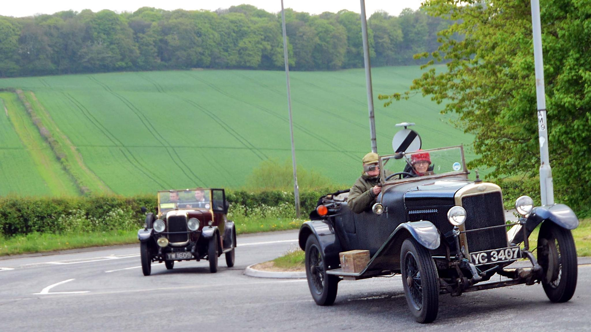 Bicester airfield becomes centre for vintage car services ...