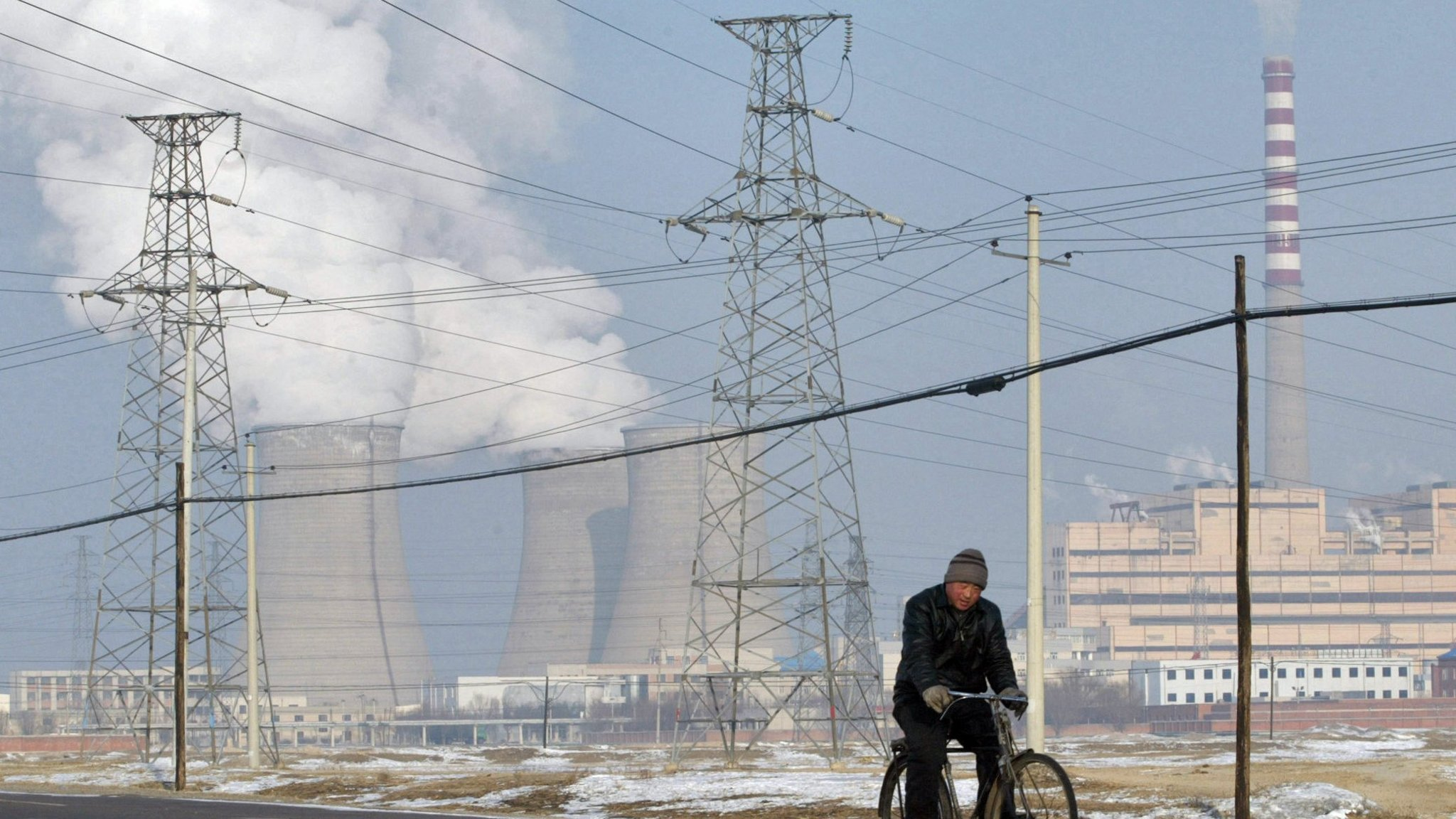 Greenpeace warns over China\'s excess power capacity   Financial Times