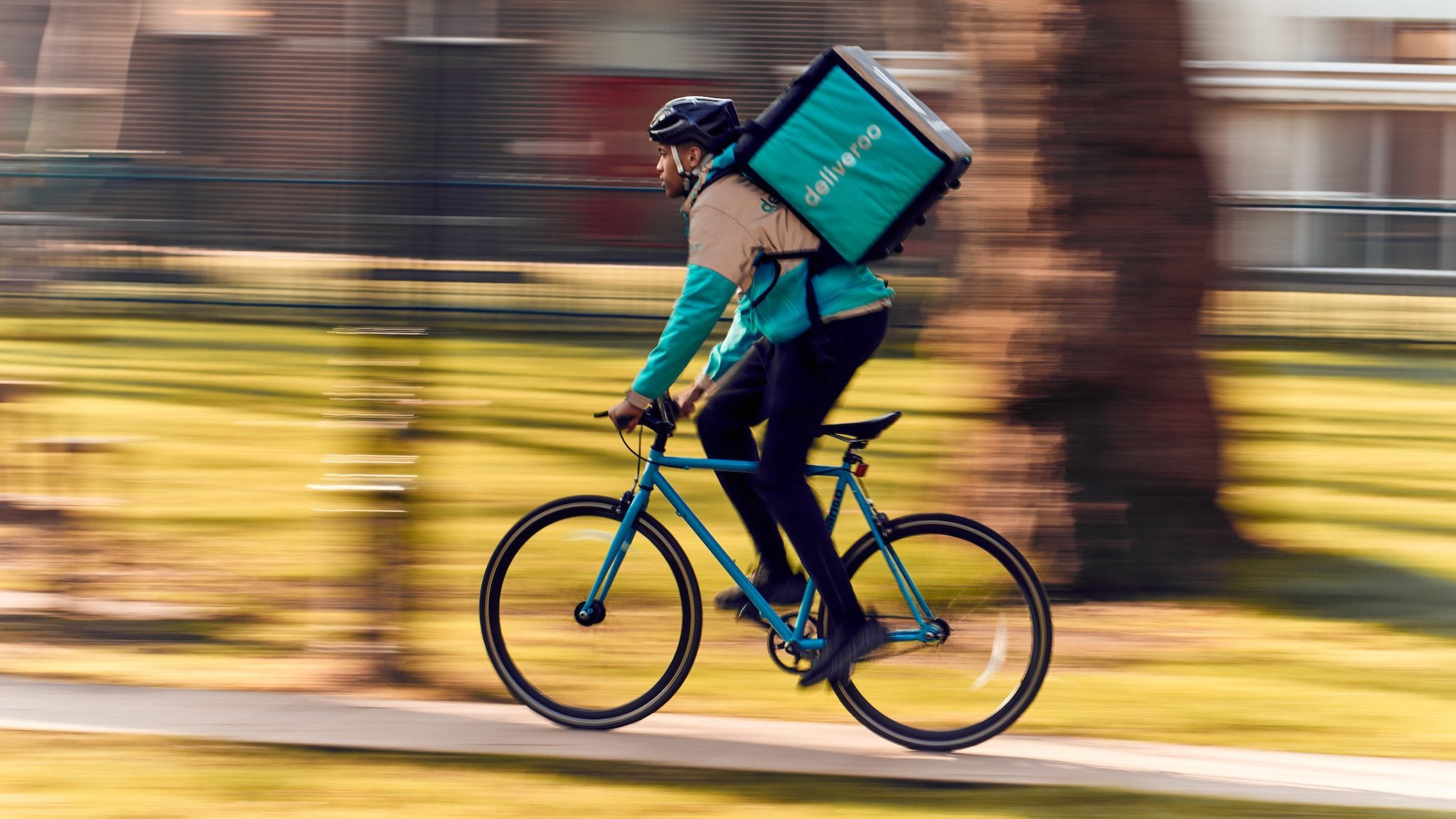 Just Eat skids as Deliveroo rides into its territory  e546747d1