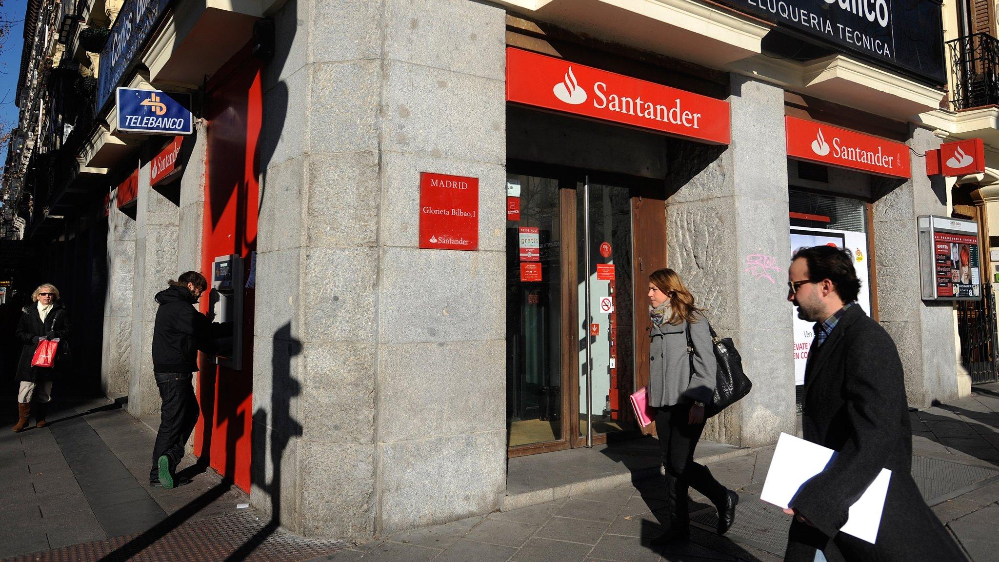 Santander enjoys solid quarter despite turmoil in key markets for Banco santander oficina central madrid