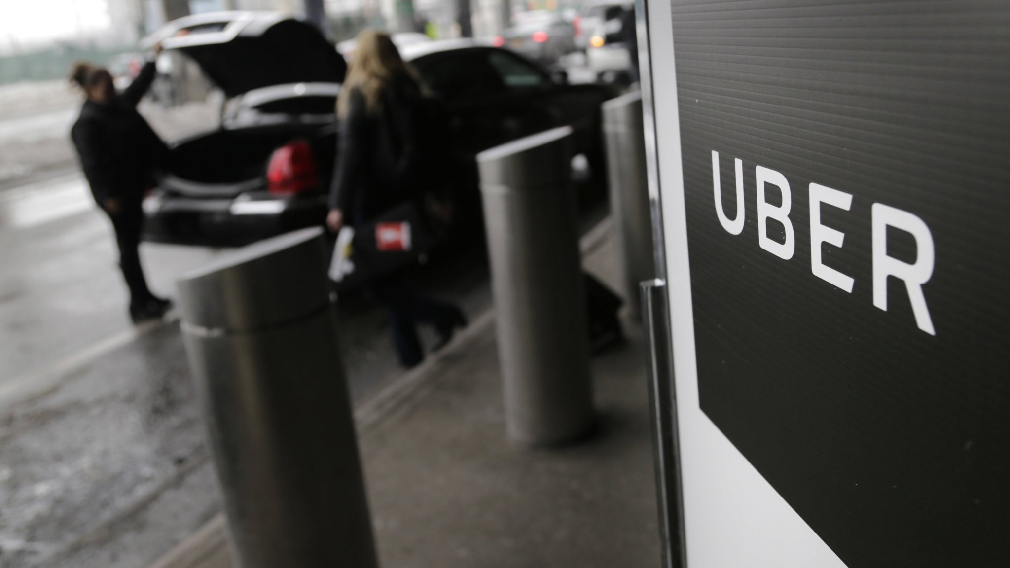 Uber's new legal chief warns staff not to spy on rivals