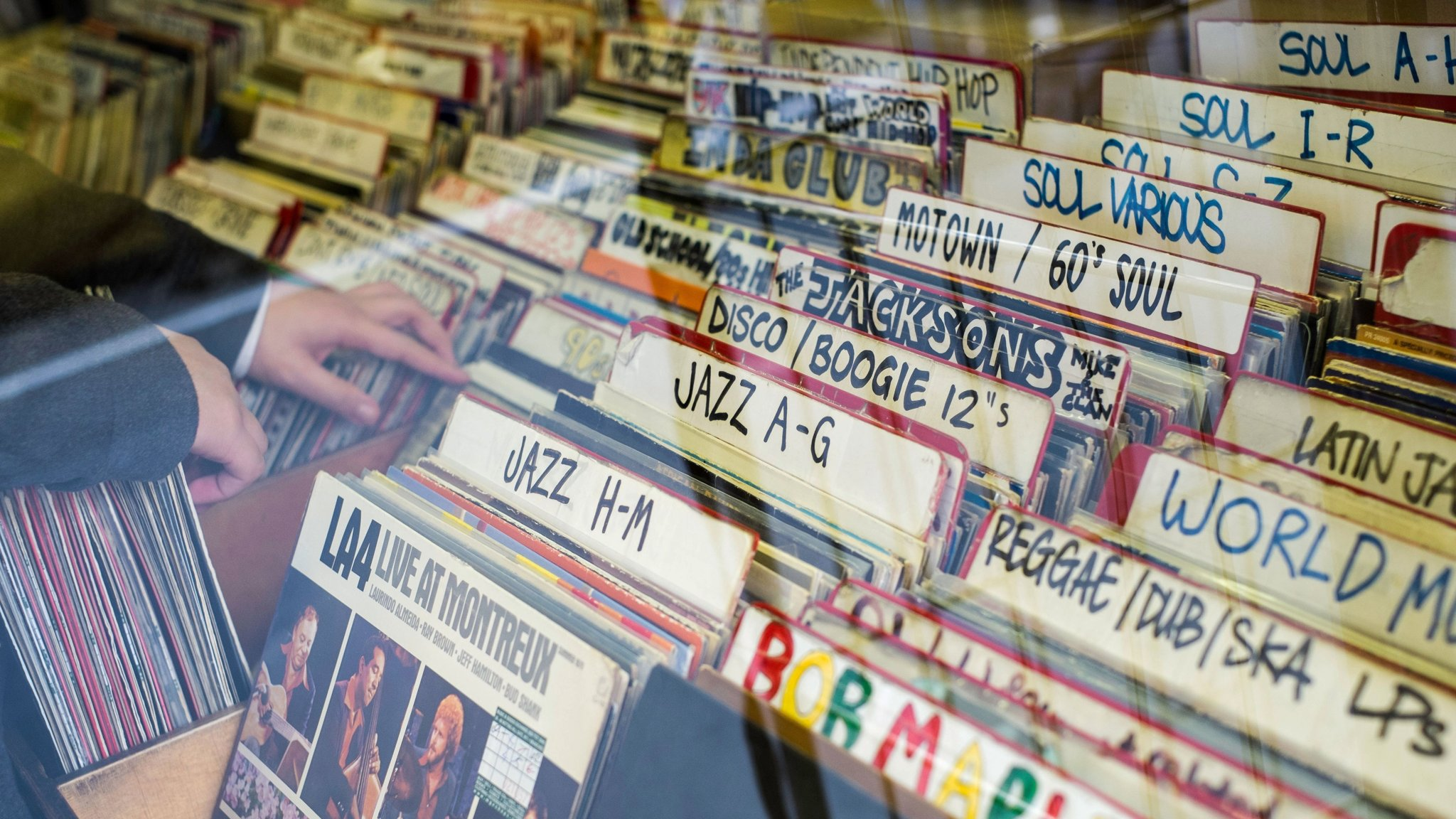 Vinyl Boom How Record Collectors Drive Music Trends Financial Times