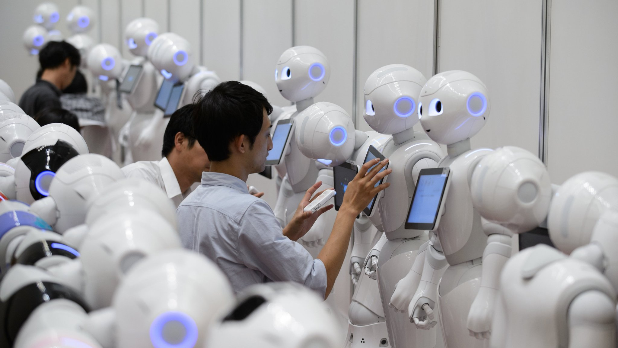 Hackers expose frailty of robots | Financial Times