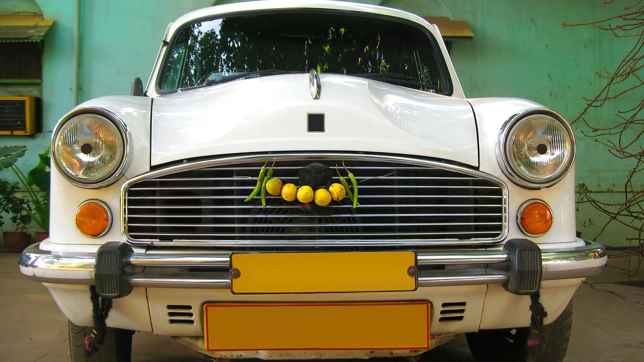 Chauffor stammer ambassad
