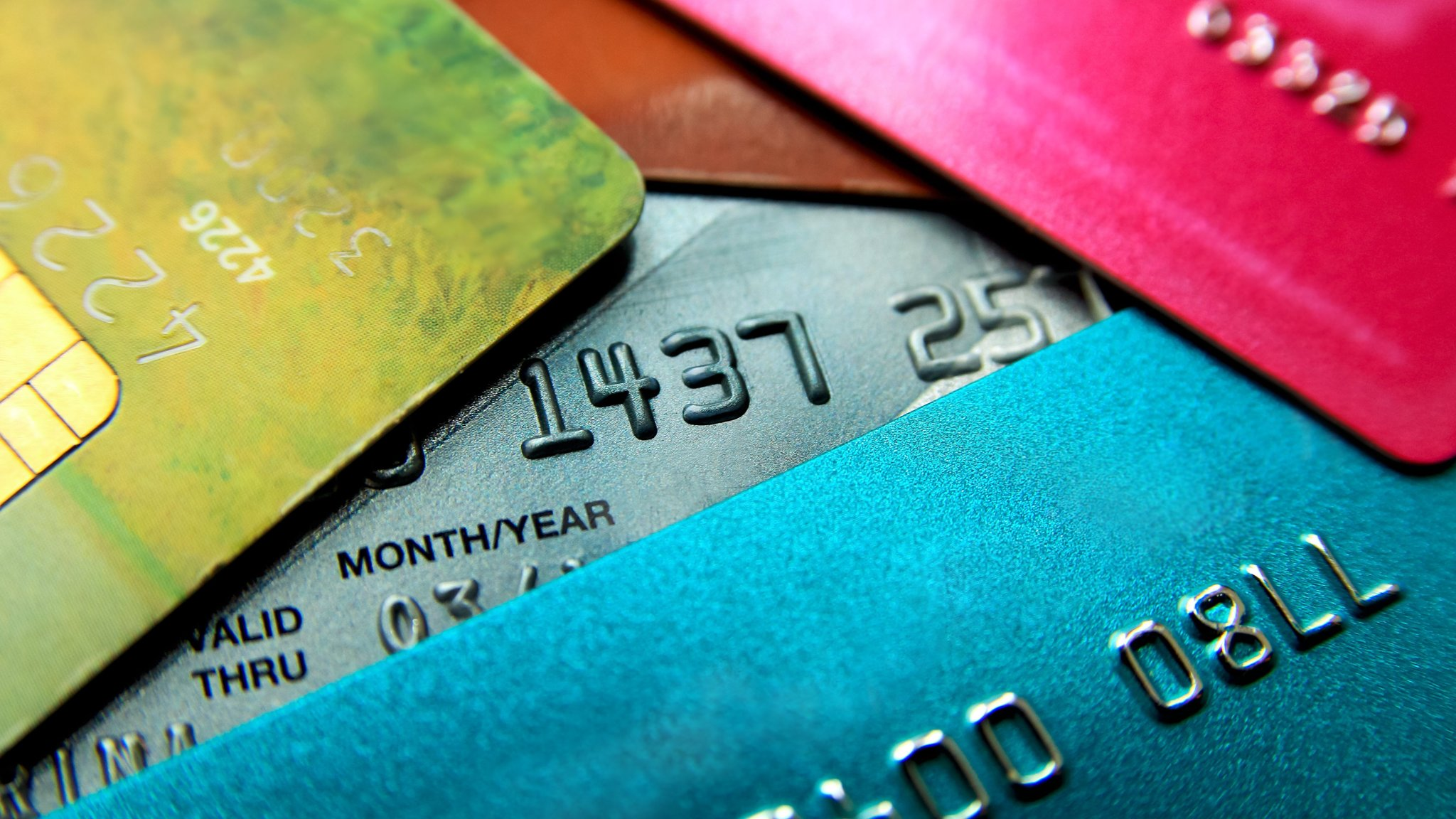Credit card balance transfer fees drop to lowest in a decade