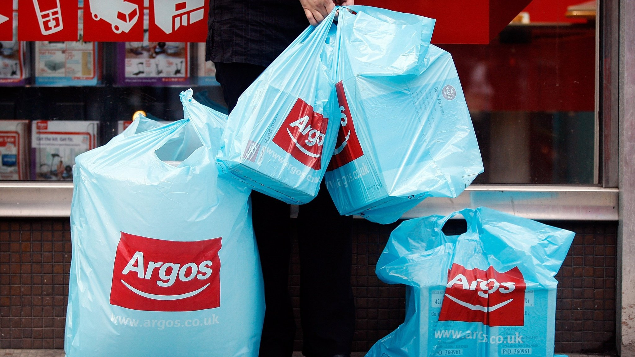 Argos Fined For Underpaying Thousands Of Staff On Minimum Wage Financial Times