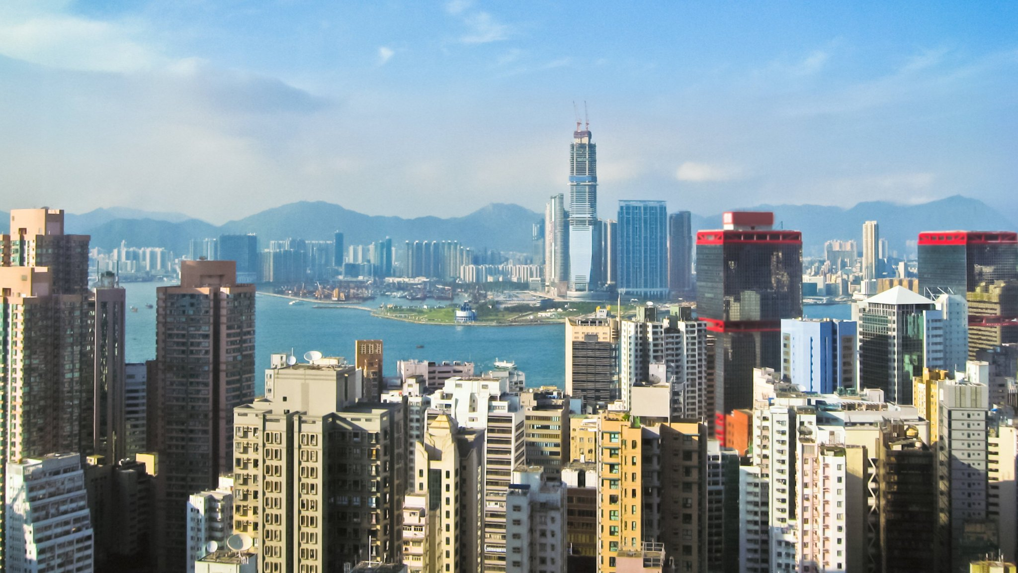 HSBC lures start-ups in Hong Kong with digital wallet