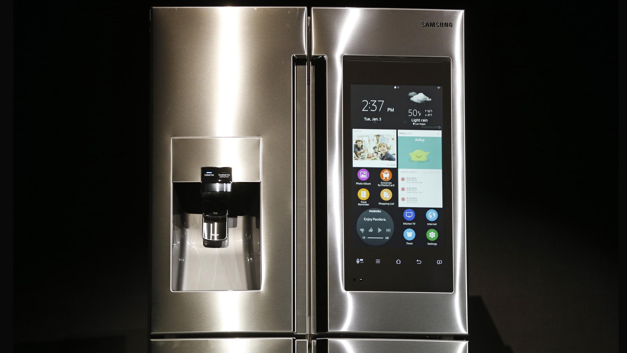 Samsung's selfie-taking fridge | Financial Times
