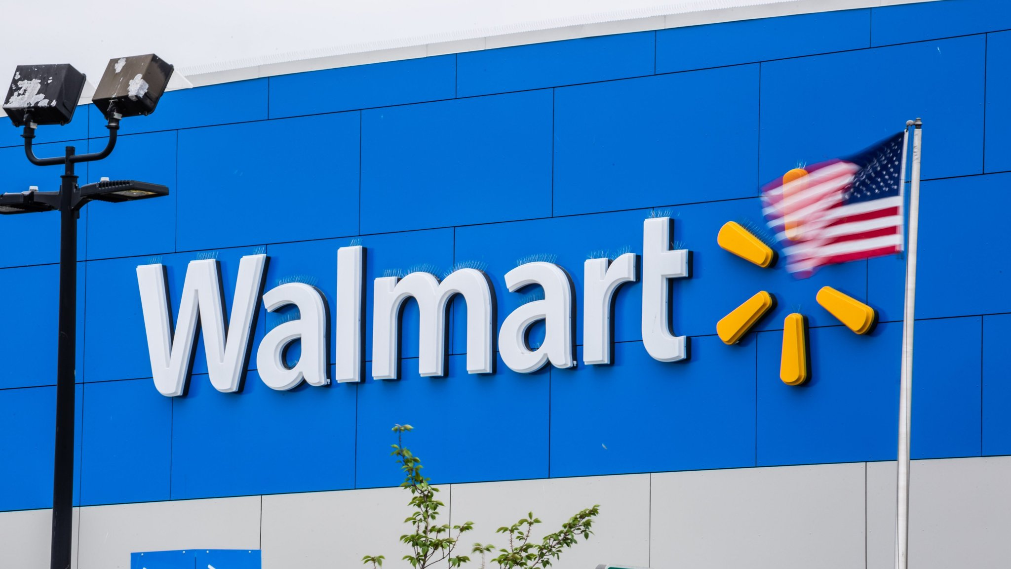 synchrony dives on loss of walmart card deal financial times
