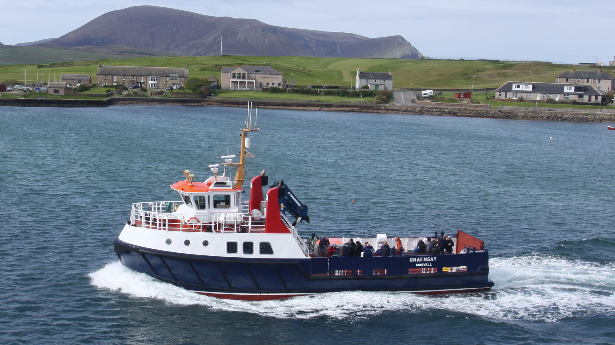 Orkney's ageing ferries look to ditch diesel for hydrogen