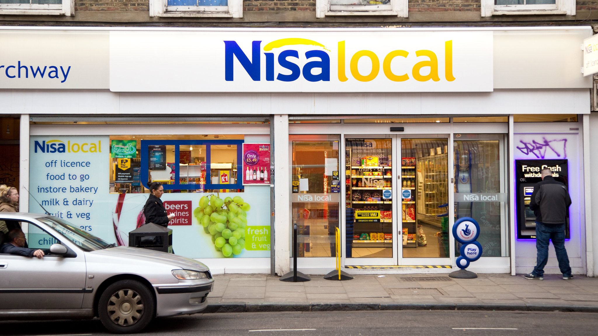 Big Grocers Take Aim At Uks Local Corner Shops Financial Times