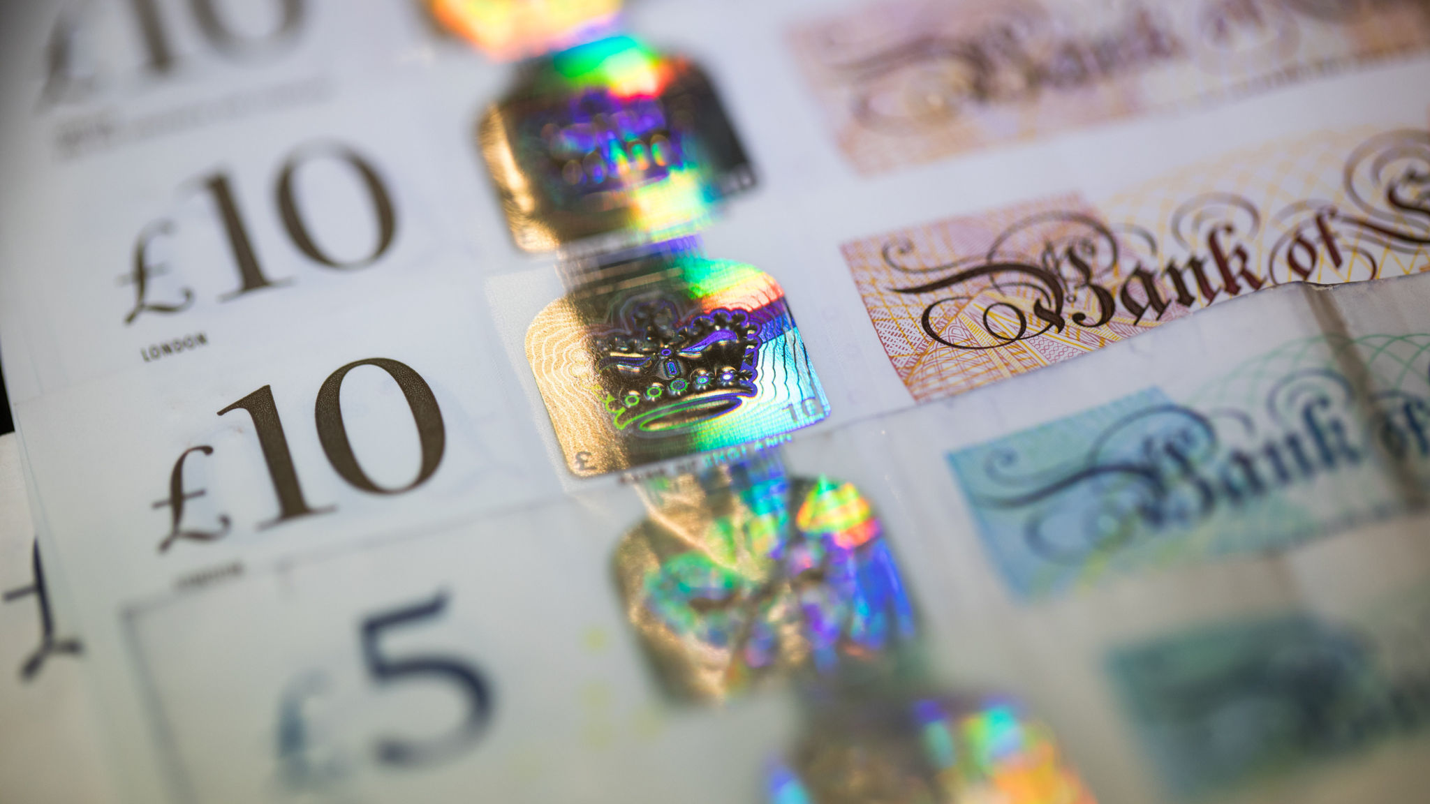 Short bets against sterling rise to highest in more than two years
